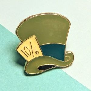 Mad Hatter's hat. Disney lapel pin